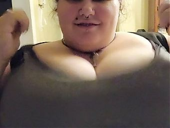 Big titted BBW milf showing off her titties