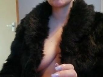 Blowjob while smoking from blonde bitch