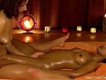 Relaxing Body Massage Session For a Couple