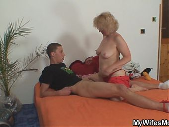 He doggy-fucks wifes blonde mother inlaw
