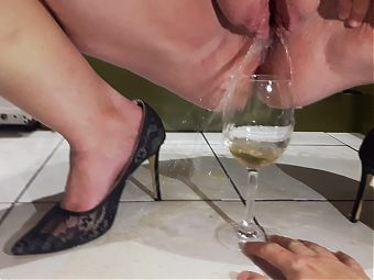 My Hot BBW WIfe pissing in a glass